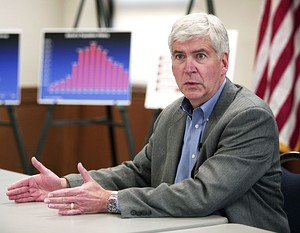 Governor Snyder Holds Roundtable On Detroit's Financial Crisis